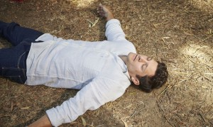 Neighbours: Finn collapses! Danger for Xanthe?