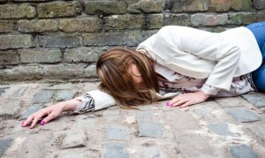 Corrie: Tracy collapses! Jason leaves the Street!
